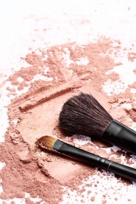 can cosmetics cause blackheads